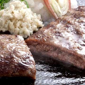 写真:安心な北海道産♪健康牛と長芋すりおろしのみのシンプルなコラボ!牛とろろステーキ100g【加熱用】